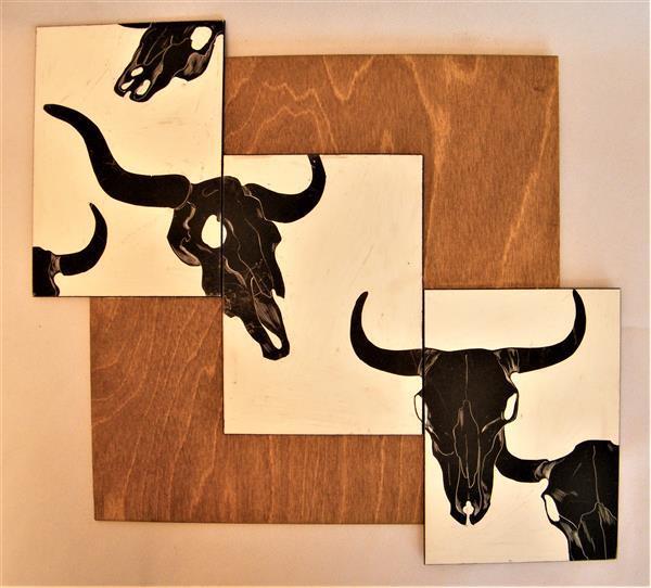 HillE Cow Skulls